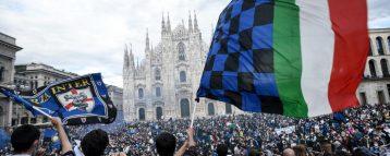 """Allerta assembramenti: 30mila in piazza per la festa scudetto dell'Inter. E in molte altre città strade e ristoranti pieni. Il virologo Pregliasco: """"Fra 15 giorni aumenteranno i contagi"""""""
