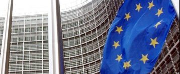 La riforma della Pac incassa l'accordo dei ministri Ue. Contributi ai giovani e il 20% degli aiuti diretti concessi solo a chi è green
