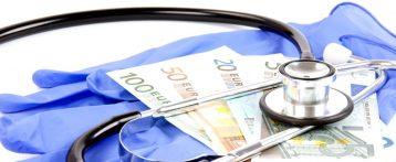 Il salasso di 10 anni di blocco contrattuale: per i medici 6.470 euro e per gli infermieri 2.720 euro di minor potere d'acquisto. Con il nuovo contratto aumenti medi variabili tra 83 e 200 euro